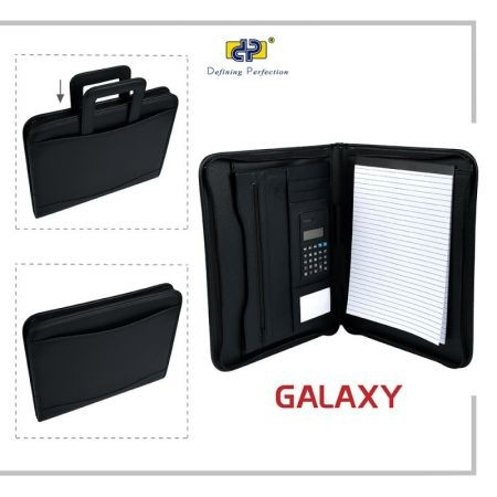 Pachet WOW profesional DP Collection  MAPA PORTFOLIO GALAXY EXTRA, MANERE RETRACTABILE, CALCULATOR SI BLOCK NOTESI